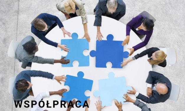 Z czym wiąże się współpraca zespołowa?